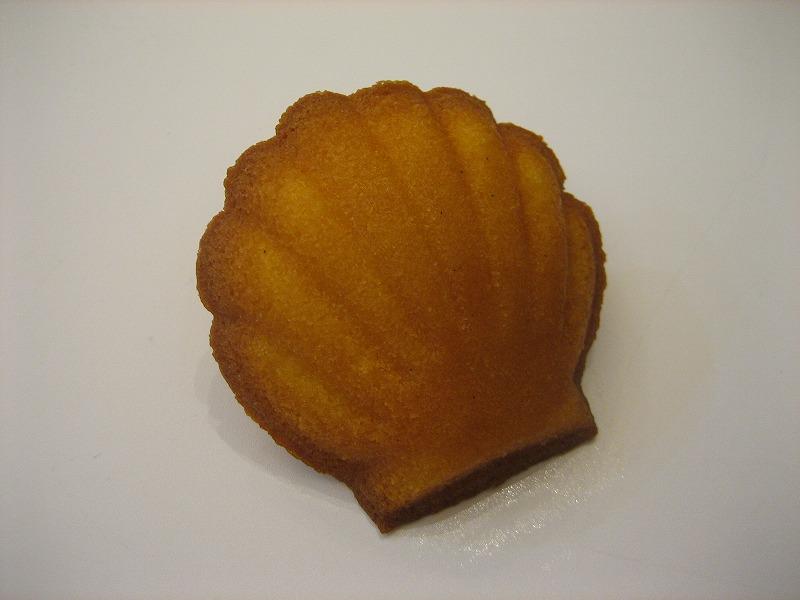 名東区のケーキ屋ラティアールの【マドレーヌ】