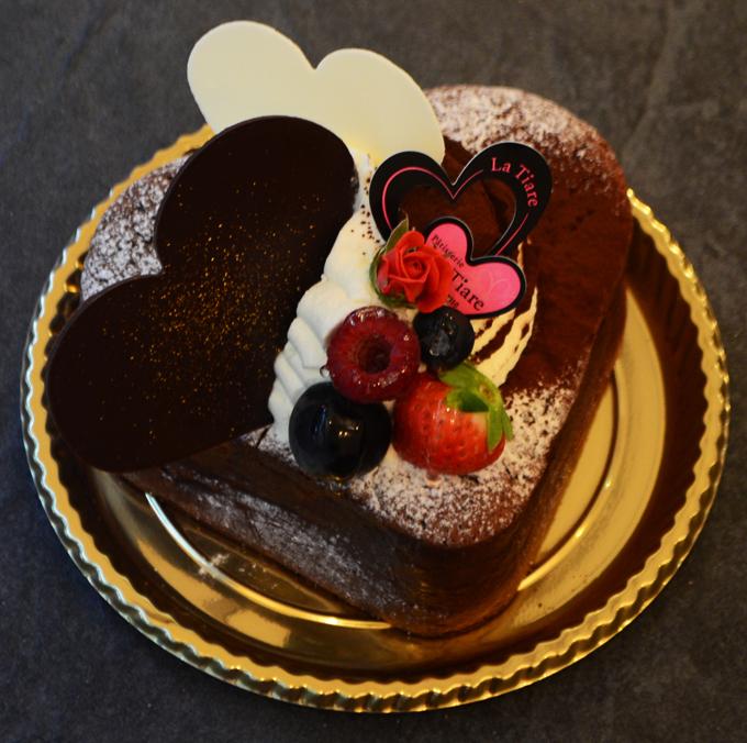 名東区のケーキ屋ラティアールの【クラシックハート】