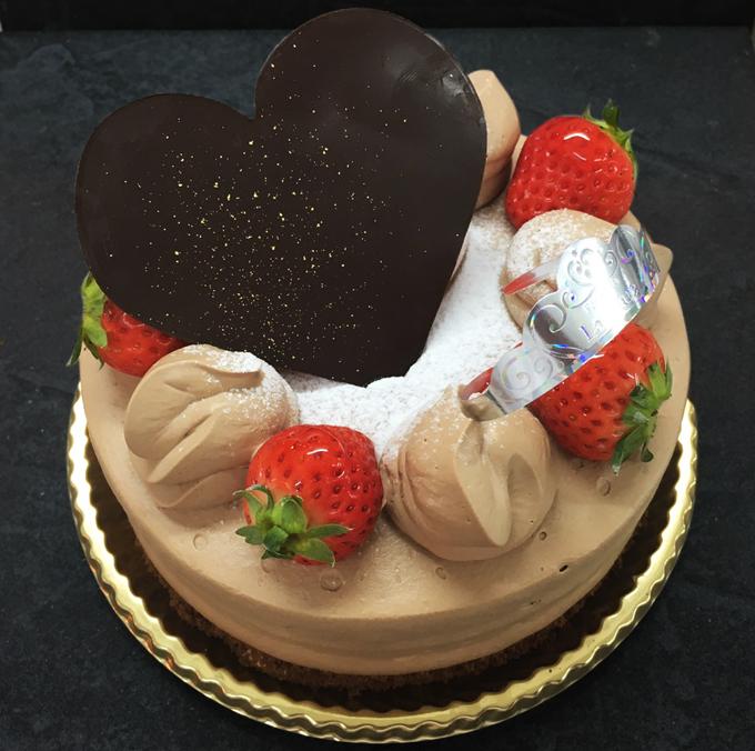 名東区のケーキ屋ラティアールの【ショコラデコレーション】