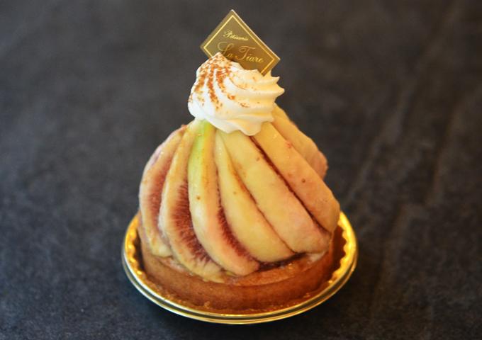 名東区のケーキ屋ラティアールの【タルトフィグ】