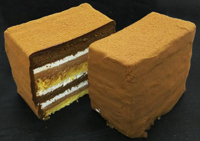 名東区のケーキ屋ラティアールの【ガトーブリック】