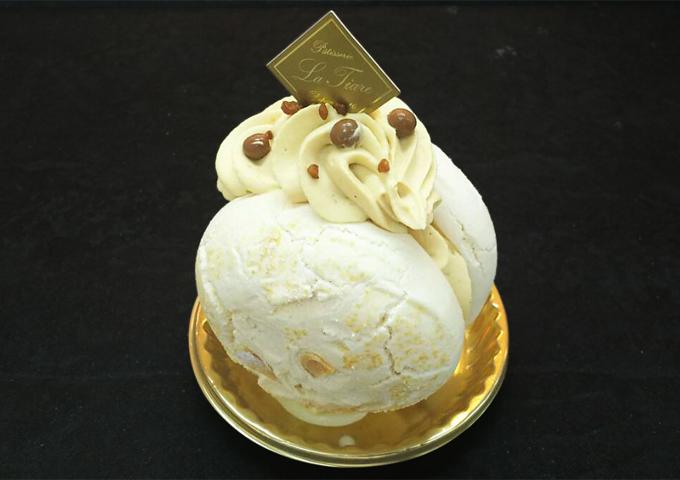 名東区のケーキ屋ラティアールの【ムラングシャンティキャラメル】